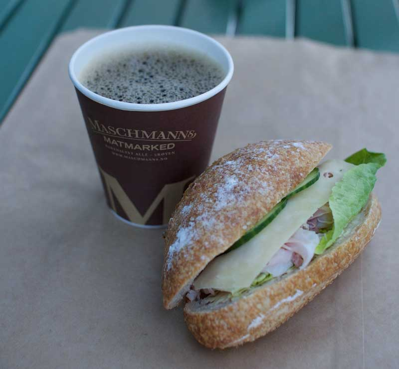 Sandwich og kaffe fra Maschmanns