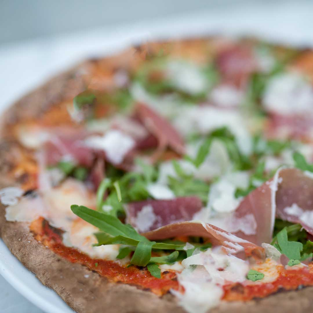 Pizza Parma fra Maschmanns Bakeri