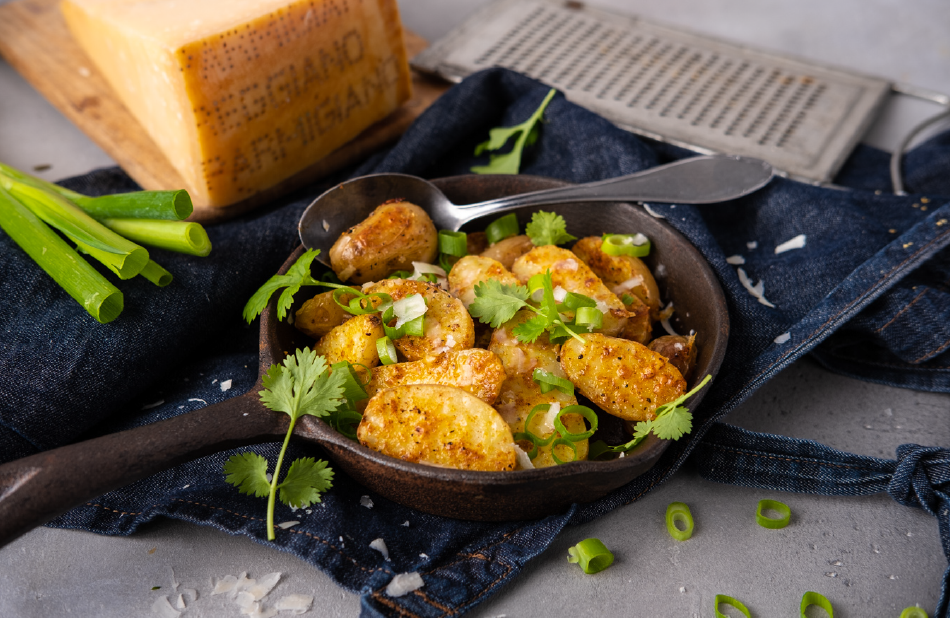 Ovnsbakte karripoteter med parmesan