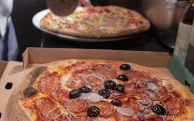 Maschmanns take away pizza